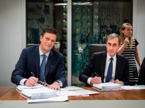 Henk Valk CEO Philips Benelux en Laurens van der Tang CEO VitalHealth