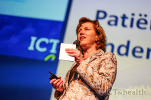 Dianda Veldman, directeur Patientenfederatie Nederland, schrijft aan de NVZ dat patienten moeten kunnen kiezen voor directe of vertraagde digitale inzage in medische uitslagen.