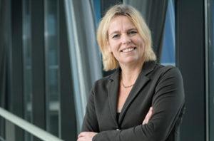 Hoogleraar Ingrid Meulenbelt wil met een 'gewricht-op-een-chip' het onderzoek naar medicatie voor artrosepatiënten verbeteren.