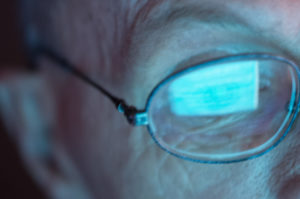 Een jaar na de verplichting om zorggerelateerde websites aan te passen voor de 300.000 blinden en slechtzienden en 1,3 miljoen doven en slechthorenden, is er volgens de studie weinig veranderd