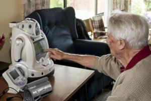 Er worden sociaal assisterende robots ontwikkeld om patiënten met zoals chronische obstructieve longziekte(zoals COPD)te ondersteunen.