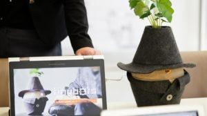 Zorgaanbieder Siza krijgt subsidies om in pilots sociale en zorgrobots toe te passen. (beeld Tinybots)