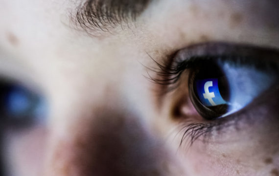 Facebook spots suicidal users with artificial intelligence